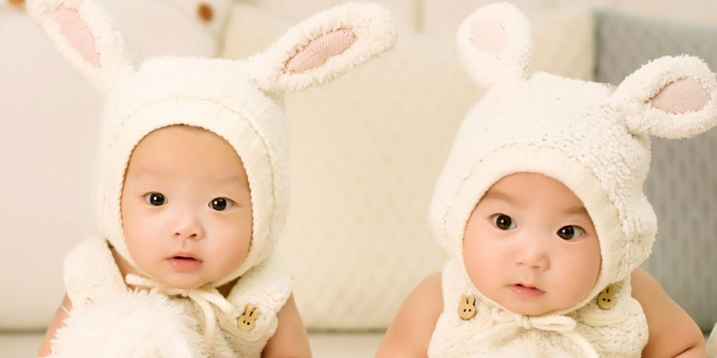 baby-twins-brother-and-sister-one-hundred-days